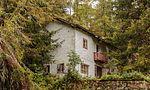 Wandeltocht rond Lago di Pian Palù (1800 m). in het Nationaal park Stelvio (Italië). Huis tussen de bomen.jpg