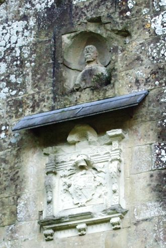 Wardour Castle - Coat of arms and head of Christ over the main entrance