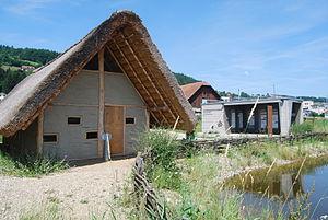 Wauwilermoos pile dwelling settlement (Egolzwil 3) - Image: Wauwil arkeologia lernopado 054