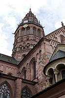 West crossing tower and north transept - Mainz Cathedral - Mainz - Germany 2017.jpg