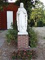 Westerbeek - Heilig Hartbeeld voor de Rooms katholieke pastorie.jpg