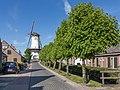 Willemstad, d´Orangemolen in straatzicht RM38950 foto3 2015-05-24 17.27.jpg