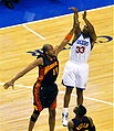 Willie Green over Devean George.jpg