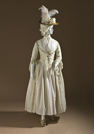 Close-bodied gown - Image: Woman's Robe a l'Anglaise Ensemble LACMA M.59.25a d (1 of 6)