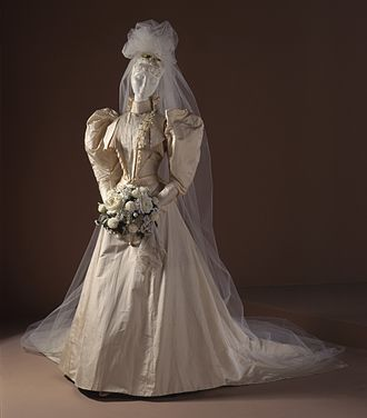 Wedding dress - White wedding dress from 1891