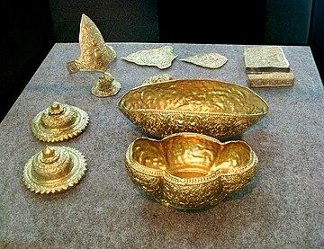 Hasil gambar untuk harta karun kerajaan majapahit