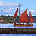 Wooden boat 2579-1.jpg