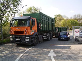 Iveco Stralis - An Iveco Stralis recycling truck in Germany