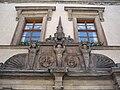 Zámek Nelahozeves - okna.JPG