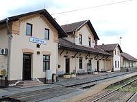 Zeljeznicka postaja u Slatini.JPG
