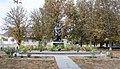 Іваньки. Братська могила радянських воїнів біля клубу.jpg