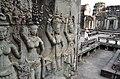 Барельефы небесных дев-апсар. Ангкор-Ват. - panoramio (1).jpg