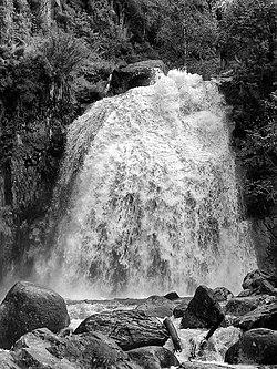 Водопад Корбу, Телецкое озеро, Республика Алтай.jpg