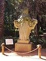 Памятник берберской женщине - panoramio.jpg