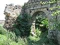 Пнівський замок башта вїздова вигляд з іншого боку.jpg