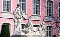 Трир. Барочный сфинкс у дворца курфюрста.jpg