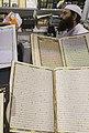 عکس از فروشنده مسلمان-نمایشگاه کتاب شارجه در کشور امارات.jpg