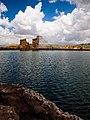 نمایی از بنا و دریاچه تخت سلیمان.jpg