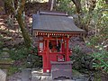 室生寺境内の弁財天社 2013.4.13 - panoramio.jpg