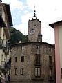 019 Antiga torre del Rellotge, des del c. Isaac Albéniz (Camprodon).JPG
