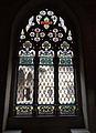 096 Castell de Santa Florentina (Canet de Mar), vitrall del saló del tron amb festejadors.JPG