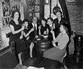 12-12-1951 10099 Nicolaas Kroese met 6 stewardessen (5378114694).jpg