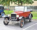 1927 Ford Model T (16631561370).jpg