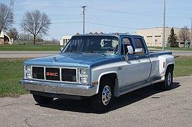 [SCHEMATICS_48YU]  Chevrolet C/K - Wikipedia | Free Auto Wiring Diagram 19671972 Chevrolet Truck V8 Engine |  | Wikipedia
