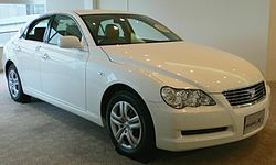 2004 Toyota Mark-X 01.jpg