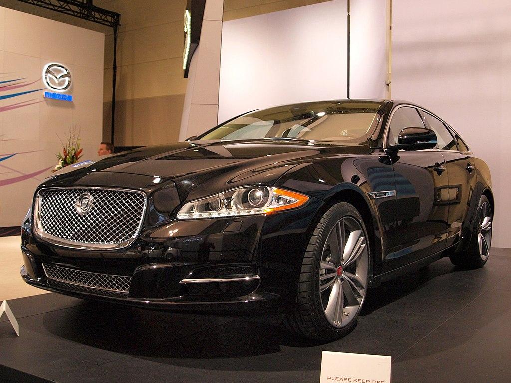 2011 Jaguar XJ (5484026814).jpg