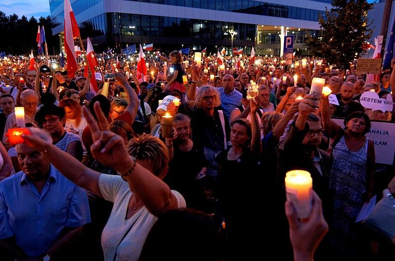 File:20170720 Demonstracja Krakow 3963.jpg