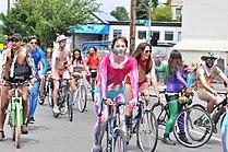 2017 Fremont Solstice Parade - cyclists prepare 108.jpg