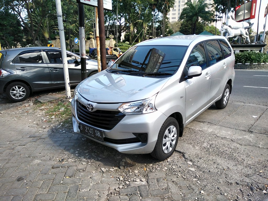 File:2017 Toyota Avanza 1.3 E (facelift), West Surabaya