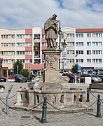 2019 Figura św. Jana Nepomucena w Dzierżoniowie 1.jpg