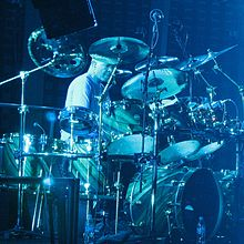 2157 - Pittsburgh - Mellon Arena - Genesis - Drum Duet (Chester Thompson crop).JPG
