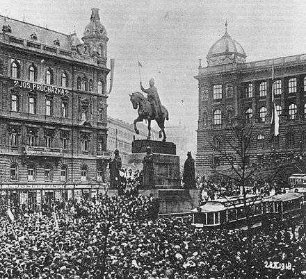 Rally in Prague on Wenceslas Square for the Czechoslovak declaration of independence from the Habsburg Austro-Hungarian Empire, 28 October 1918 28. rijen 1918.jpg