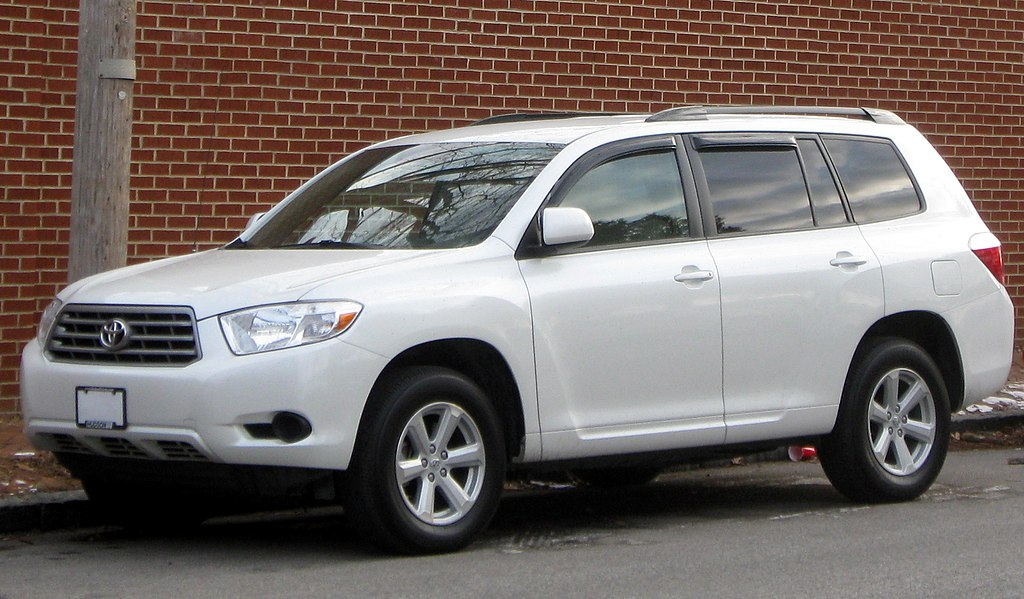 2010 Toyota Highlander Dimensions >> File:2nd Toyota Highlander -- 01-13-2010.jpg - Wikimedia Commons
