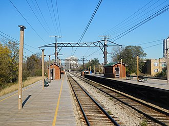 59th Street/University of Chicago station - The platforms of the Metra electric station at 59th Street and University of Chicago.