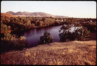 Kings River (California) - Image: ABOUT TEN MILES BELOW PINE FLAT DAM NARA 542653