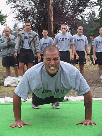 """Physical training uniform - Minnesota Army National Guardsmen wearing the Army's former """"Improved Physical Fitness Uniform"""" (IPFU)"""