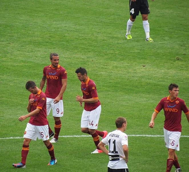File:AS Roma players vs Zagłębie Lubin.jpg