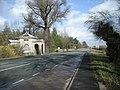 A lodge on Watling Street - geograph.org.uk - 723386.jpg