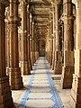 Ahmedabad Jama Masjid pillars.jpg
