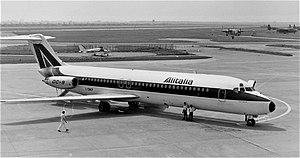 Alitalia DC-9 I-DIKP.jpg