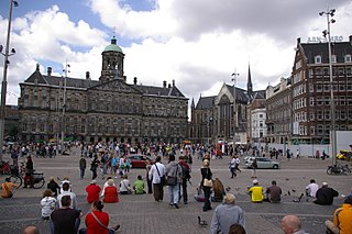 Part of Dam Square. Left: Royal Palace, Right: Nieuwe Kerk
