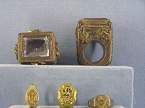 Ecclesiastical ring - Episcopal rings for bishops and archbishops, (Musée national du Moyen Âge, hôtel de Cluny, Paris)