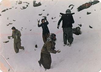 Al-Ansar (Iraq) - Playing in the snow