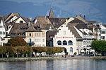 Ansicht vom Dampfschiff Stadt Rapperswil der Zürichsee-Schifffahrtsgesellschaft auf den Endingerplatz in Rapperswil mit Curtihaus und Hotel Schwanen, links die Bühleralle, rechts das Seequai 2013-09-13 17-10-32.JPG
