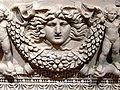 Antalya Museum - Sarkophag 1a Gorgoneion.jpg