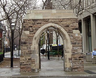 St. Andrew's United Church - Image: Arch on Yonge